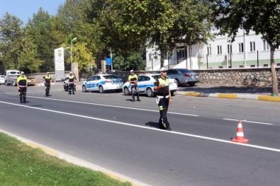 """Polis durdurduğu minibüsün içini görünce """"pes"""" dedi"""