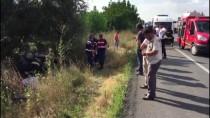 Afyonkarahisar'da Otomobil Şarampole Devrildi Açıklaması 2 Ölü, 3 Yaralı