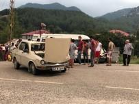 MEHMET DEMIR - Andırın'da Trafik Kazası Açıklaması 3 Yaralı