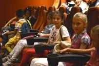KARNE HEDİYESİ - Çocukların Sinema Keyfi