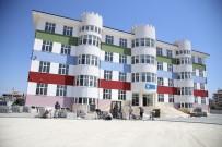 OKUL BAHÇESİ - Döşemealtı Belediyesi'nden Okul Bahçesine Kilit Taşı