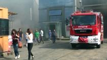 GERİ DÖNÜŞÜM - Kocaeli'de Geri Dönüşüm Fabrikasında Yangın