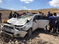 TAŞPıNAR - Kontrolden Çıkan Otomobil Şarampole Yuvarlandı Açıklaması 5 Yaralı