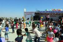 YETİM ÇOCUKLAR - Suriye'de Kurban Bayramı Öncesi Oyuncak Şenliği
