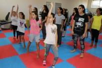 OBEZİTE - Yazın Keyfini Dans Ederek Çıkarıyorlar