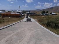 TENDÜREK DAĞI - Yukarı Yanıktaş Mahallesinde  Kilitli Parke Taşı Çalışması