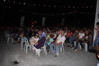 PATLAMIŞ MISIR - Avcılar'da Açık Hava Sinema Keyfi
