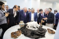 KÜLTÜR BAŞKENTİ - Başkan Uysal, Uluslararası İstanbul Arapça Kitap Fuarı'nı Ziyaret Etti