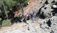 Katırın Sırtından Uçuruma Yuvarlanan Kadını AFAD Kurtardı