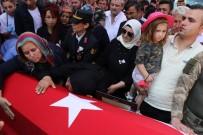 Şehit Uzman Onbaşını Son Yolculuğuna On Binler Uğurladı