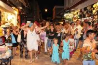 DAVUL ZURNA - Turistler İlgiyle İzledi Açıklaması Bodrum'da Renkli Görüntüler