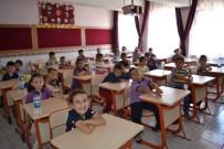 Afyonkarahisar'da Minik Öğrenciler Ders Başı Yaptı