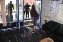 MUHAMMET DEMİR - Aşırı Yağışlar Su Baskınlarına Yol Açtı