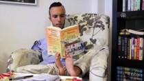 BEDENSEL ENGELLİ - Ayaklarıyla Yazdığı Hayat Hikayesi İçin Destek Bekliyor