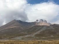 ERCIYES - Erciyes'e mevsimin ilk karı yağdı