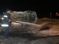HÜYÜKLÜ - Kahramanmaraş'ta Minibüs İle Otomobil Çarpıştı Açıklaması 5 Yaralı