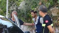 ŞELALE - Manavgat'ta Park Halindeki Araçta Silah Ve Uyuşturucu Ele Geçirildi