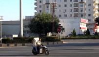 Motosikletle Yük Ve Eşya Taşıyorlar