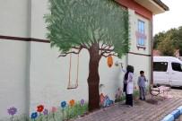 YAĞLıBOYA - Okul Duvarlarını Resim Ve Karikatürlerle Süslüyor