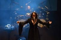 ŞEBNEM FERAH - Şebnem Ferah Şarkılarıyla Coşturdu