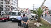 Trabzon'da Otomobil Elektrik Direğine Çarptı Açıklaması 3 Yaralı