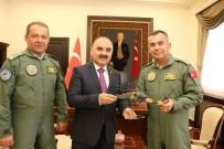 Tuğgeneral'den Vali Günaydın'a T129 Atak Helikopteri Maketi Hediyesi