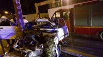 ASKERİ HASTANE - Van'da Trafik Kazası; 4 Yaralı