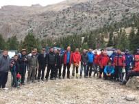 KıZıLKAYA - Yolunu Kaybeden Amatör Dağcıları Ekipler Kurtardı