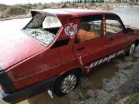 Araçlardaki Dolu Göçükleri 'Masaj'la Düzeltiliyor