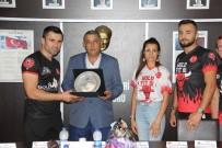 ASKF Başkanı Erdoğan Bıyık'a Gazi Kupası İçin Plaket
