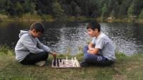 SATRANÇ FEDERASYONU - Domaniç Sokaklarında Satranç Turnuvası Var