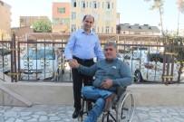 Engelli Vatandaş Merdivenleri Çıkamayınca, Kaymakam İndi