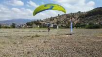 AMANOS DAĞLARI - Huzura Kavuşan Amanos Dağlarında Paraşütle Uçuyorlar