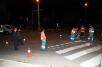 Isparta Belediyesi'nden Yol Çizgi Çalışması