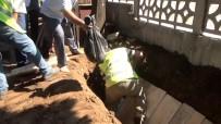 Öldürülen Afgan Hussaini Eşyaları İle Defnedildi