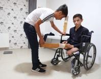 GEÇİM SIKINTISI - Protez Ayaklarını Kaybeden 14 Yaşındaki Sarıtaş'a Büyükşehirden Yeni Protez