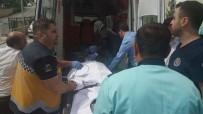 Sağlık Görevlilerine Saldıran Şahısa Polis Müdahale Etti Açıklaması 2 Yaralı
