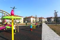 KAMUSAL ALAN - Serdivan'da Parklar 24 Saat Kontrol Altında