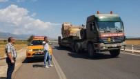 ASKERİ KONVOY - Suriye Sınırına Askeri İş Makinesi Sevkiyatı