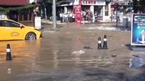 Uşak'ta Ana Su Borusu Patladı, İş Yerlerini Su Bastı