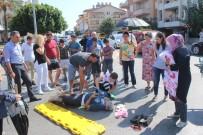CAMİİ - Vatandaşlar Yaralının Başında Şemsiye Nöbeti Tuttu