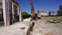 Yunus Emre Mahallesinde Kanalizasyon Hattı Yenileme Çalışması Başladı