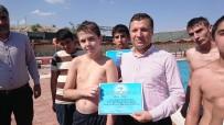 Yüzme Kursunu Tamamlayan Çocuklara Sertifikaları Verildi