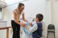 Halk Market'ten Yüzlerce Çocuğa Kırtasiye Yardımı