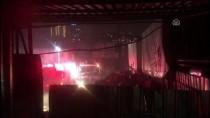 ARBEDE - Hurda Deposundaki Yangın Arbedeye Neden Oldu