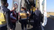 Kars'ta Lastiği Patlayan Minibüs Devrildi Açıklaması 6 Yaralı
