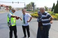 KIRMIZI IŞIK - Kimsenin Burnunun Kanamadığı Kazada Tartışmayı Sabırlı Polis Bitirdi