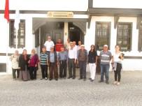 Koca Çınarlardan Atatürk İle Bir Gün Galerisi'ne Büyük İlgi