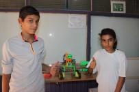 MATEMATIK - Kurs Öğrencileri Konuşan Ve Sorulara Cevap Veren Robot Üretti