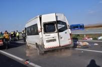 Lastiği Patlayan Minibüs Takla Attı Açıklaması 5 Yaralı
